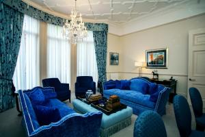 The Apartments by The Sloane Club - 9 of 28