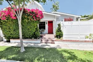 Photo of West Hollywood Bungalow
