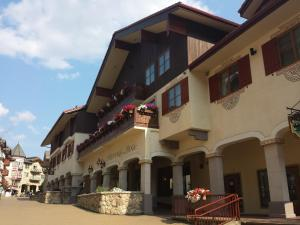 Photo of Sun Peaks Lodge