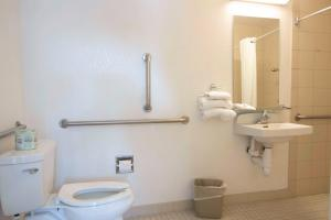 Motel 6 Reno - Virginia Plumb, Hotels  Reno - big - 2