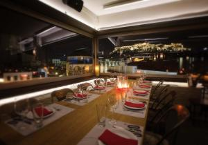 Hotel 360 Degrees, Atene