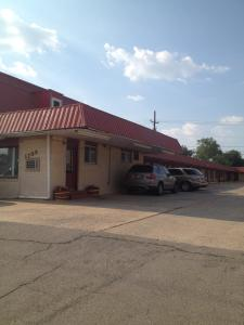 Photo of Deluxe Inn Lawton