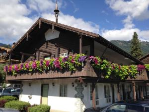 Photo of Linderhof Inn