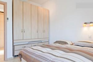 Photo of Ben Yehuda/Nordau – Spacious Two Bedroom With Balcony