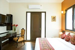 Photo of Stallen   3 Bedroom Serviced Apartments   Connaught Place