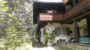 B&B Villa Dolomites Hut, Bed & Breakfasts  St. Vigil - big - 1