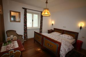 B&B Villa Dolomites Hut, Bed & Breakfasts  St. Vigil - big - 9