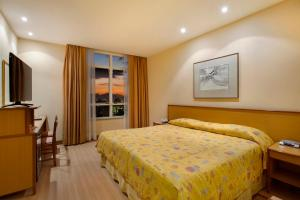Executive Superior Room with King Bed and Bath