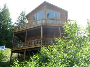 Photo of Timberline Pines   Grizzly Tower