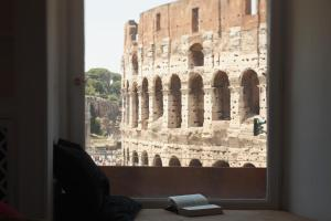 Bed and Breakfast N°9 Colosseo Luxury Suites, Rome