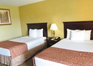 Standard Room with Two Double Beds and View