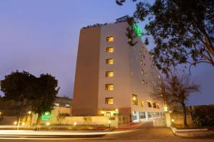 Photo of Lemon Tree Hotel Chandigarh