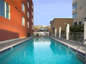 Photo of Amsi Little Italy Two Bedroom Condo (Amsi Sds.Lv 2009)