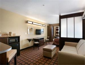 Microtel Inn & Suites By Wyndham Council Bluffs - Council Bluffs, IA 51501 - Photo Album