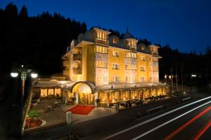 Photo of Alpen Suite Hotel
