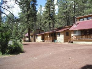 Photo of Greer Point Trails End Cabins