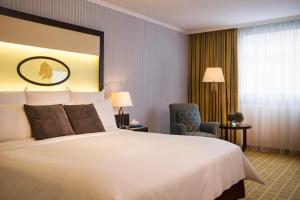 Club Double Room with free Internet and Breakfast