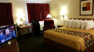 Queen Room with Two Queen Beds - Disability Access/Smoking