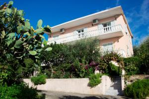 Photo of Apostolos & Eleni Family Apartments