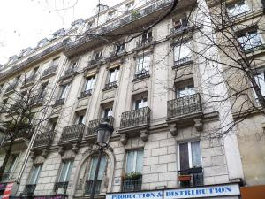 Apartment Apartment Boulevard Barbes Paris, Paris