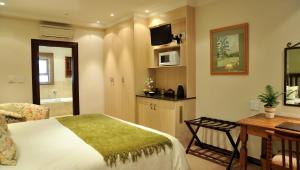 Deluxe Room Upstairs