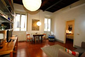 Ferienwohnung Citiesreference - Monti One Bedroom Apartment, Rom