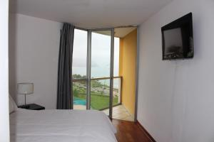 Two-Bedroom Apartment with Sea View - Malecón Balta