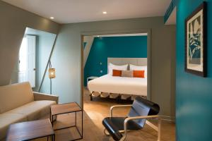 Suite With Free Access to Steam Bath