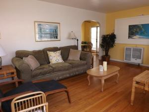 Photo of Amsi South Mission Beach Two Bedroom Apartment (Amsi Brct 814)