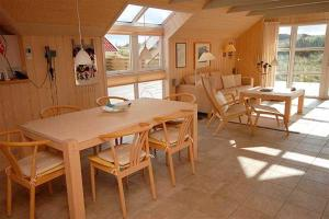 Holiday home Fyrmarken H- 1276, Nyaralók  Nørre Lyngvig - big - 5