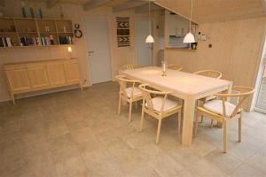 Holiday home Fyrmarken H- 1276, Nyaralók  Nørre Lyngvig - big - 7