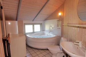 Holiday home Hedevej B- 1702, Holiday homes  Ho - big - 7