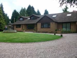 Barncroft Luxury Guest House in Hampton in Arden, West Midlands, England