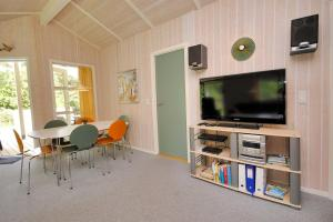 Holiday home Tyttebærstien A- 4941, Nyaralók  Torup Strand - big - 5