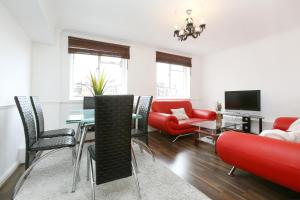Mayfair Apartments - Berkeley Square in London, Greater London, England