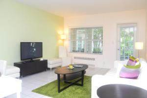 One-Bedroom Suite with Two Double Beds