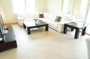 Appartamento Keys Please Holiday Homes -Al Hatimi Three Bedroom Seaview, Dubai