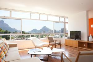 WhereInRio W70 - 4 Bedroom Apartment in Leblon