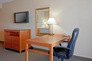 Executive King Suite - Disability Access