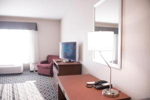 Queen Suite with Two Queen Beds - Disability Access