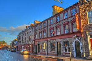 Photo of Charlemont Arms Hotel