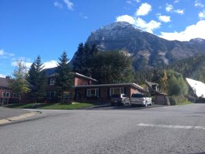 Photo of Canadian Rockies Inn