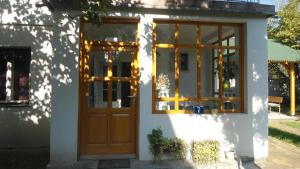 Bed & Breakfast Zeravica, Bed & Breakfasts  Sremski Karlovci - big - 45