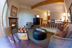 King Suite with River View - Ground Floor