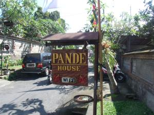 Photo of Pande House