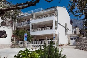 House Bilic: pension in Baška Voda - Pensionhotel - Guesthouses