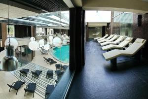 ComplexeGrand Admiral Club, Irpin'