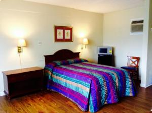 Single Room with One Double Bed