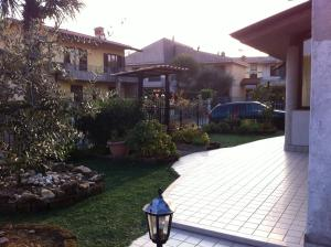 B&B Airport Orio, Bed and Breakfasts  Grassobbio - big - 34