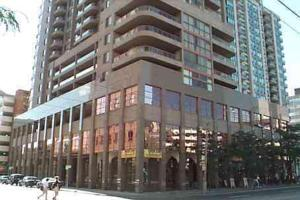 Royal Stays Furnished Apartments-Bay Street